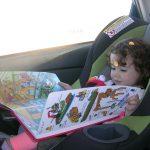 8 activités pour s'occuper en voiture à 2 ans