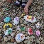 Cailloux colorés (l'art est un jeu d'enfant #4)